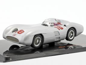 Juan Manuel Fangio Mercedes-Benz W196 R Stromlinie #18 Winner Italien GP Formel 1 1955 1:43 Ixo