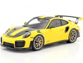 Porsche 911 (991 II) GT2 RS Weissach Package Baujahr 2017 gelb / schwarz mit Vitrine 1:18 Spark