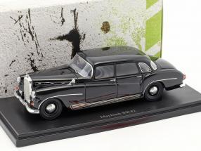 Maybach SW42 Baujahr 1957 schwarz 1:43 AutoCult