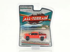 Chevrolet Silverado 1500 All-Terrain Baujahr 2018 rot 1:64 Greenlight