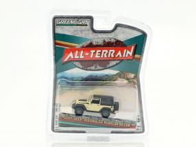 Jeep Wrangler Rubicon Recon All-Terrain Baujahr 2017 beige / schwarz 1:64 Greenlight