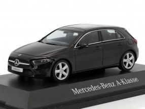 Mercedes-Benz A-Klasse kosmosschwarz metallic 1:43 Herpa