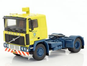 Volvo F10 Container-Sattelzug TV-Serie Auf Achse (1977-1996) gelb / blau / silber 1:50 Herpa
