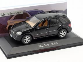 Mercedes-Benz ML 500 Baujahr 2005 schwarz 1:43 Altaya