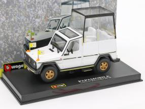 Mercedes-Benz 230 GE Papamobile white 1:43 Bburago