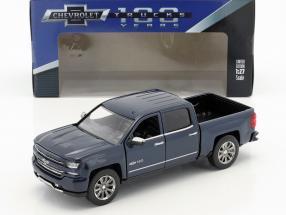 Chevrolet Silverado Pick-Up Centennial Edition Baujahr 2018 blau metallic 1:24 MotorMax