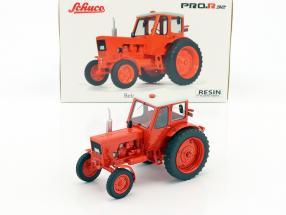 Belarus MTS-50 Traktor hellrot 1:32 Schuco