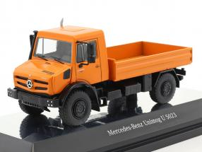 Mercedes-Benz Unimog U 5000 with plans orange / silver 1:50 NZG