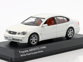 Toyota Aristo  year 1998 crystal white 1:43 Kyosho