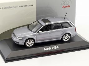 Audi RS4 silberblau metallic 1:43 Minichamps