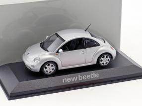 Volkswagen VW Beetle silber 1:43 Minichamps