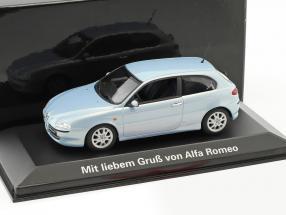 Alfa Romeo 147 Baujahr 2001 blau metallic 1:43 Minichamps