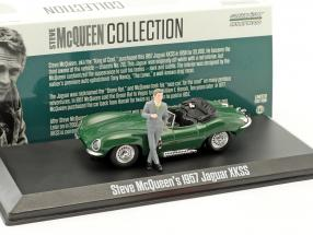 Steve McQueen's Jaguar XKSS year 1957 green with Steve McQueen figure 1:43 Greenlight