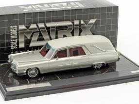 Cadillac Superior Crown Sovereign Landaulet Bestattungswagen Baujahr 1970 silber metallic 1:43 Matrix