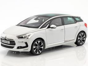Citroen DS5 year 2015 pearl white 1:18 Norev