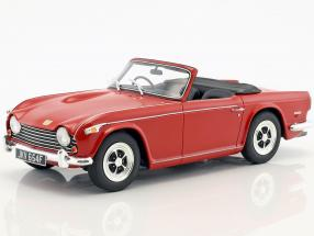 Triumph TR5 P.I. year 1967 red 1:18 Cult Scale
