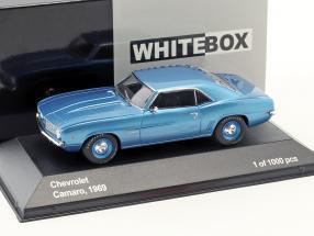 Chevrolet Camaro Baujahr 1969 blau metallic / blaue Felgen 1:43 WhiteBox