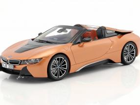BMW i8 Roadster year 2018 copper metallic / black 1:18 Minichamps
