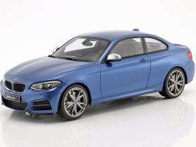 BMW M235i blau metallic 1:18 GT-SPIRIT