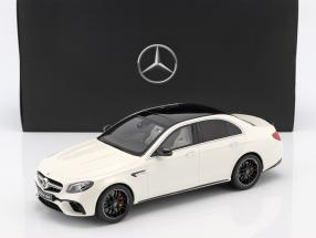 Mercedes-Benz AMG E 63 S 4MATIC+ Baujahr 2017 designo diamantweiß bright 1:18 GT-Spirit