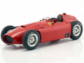 Juan Manuel Fangio Ferrari D50 #1 Winner Großbritannien GP Weltmeister Formel 1 1956 1:18 CMC