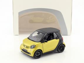 Smart fortwo Cabriolet (A453) yellow / black 1:18 Norev