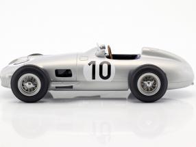 J.M. Fangio Mercedes-Benz W196 #10 2nd British GP World Champion Formel 1 1955