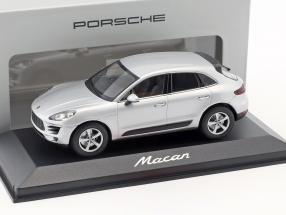 Porsche Macan silver 1:43 Minichamps