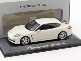 Porsche Panamera Diesel white 1:43 Minichamps