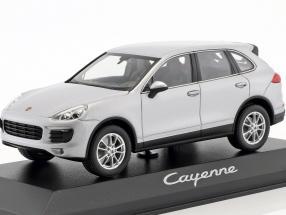 Porsche Cayenne (958) year 2014 silver 1:43 Minichamps