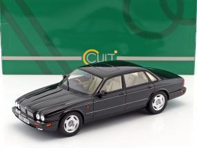 Jaguar XJR X300 Baujahr 1995 schwarz metallic 1:18 Cult Scale