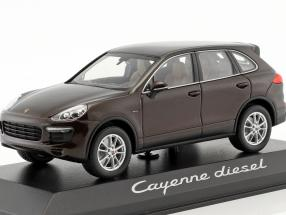 Porsche Cayenne (958) E2 II Diesel 2014 mahogany brown metallic 1:43 Minichamps