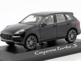 Porsche Cayenne Turbo S black 1:43 Minichamps