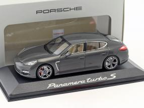 Porsche Panamera turbo S silver gray metallic 1:43 Minichamps