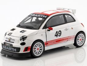 Fiat Abarth 500 Assetto Corse #49 weiß / rot 1:24 Bburago
