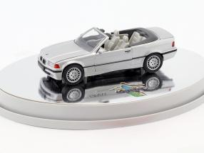 BMW 3er (E36) Cabriolet Baujahr 1993 – 1996 silber metallic mit weißem Interieur 1:43 Schabak