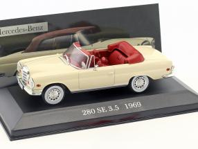 Mercedes-Benz 280 SE 3.5 W111 Year 1969 cream 1:43 Altaya