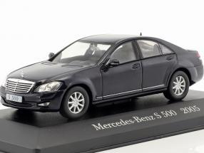 Mercedes-Benz S 500 W221 Baujahr 2005 schwarz 1:43 Ixo Altaya