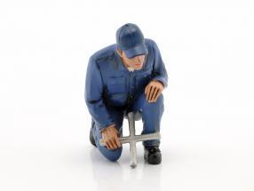 Mechaniker Juan mit Ringschlüssel Figur 1:18 American Diorama