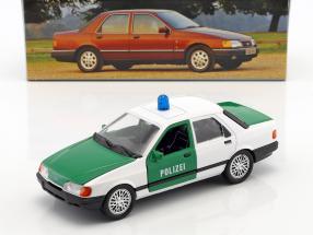 Ford Sierra Sapphire police green / white 1:24 Schabak