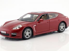 Porsche Panamera Turbo rot 1:18 Maisto