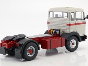 Mercedes-Benz LPS 1632 Sattelzugmaschine Baujahr 1969 grau / rot