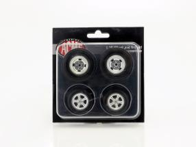Gasser Dragster Wheel and Tire Set 1:18 GMP