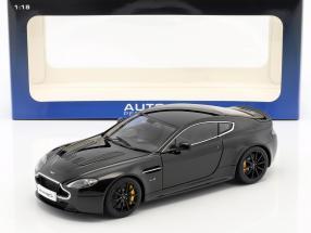 Aston Martin V12 Vantage S Baujahr 2015 schwarz 1:18 AUTOart