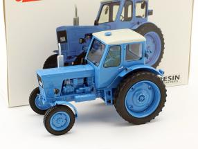 Belarus MTS-50 Traktor blau 1:32 Schuco