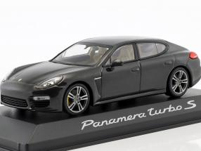 Porsche Panamera Turbo S Grey 1:43 Minichamps