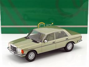 Mercedes-Benz 280 E (W123) Baujahr 1976 silbergrün 1:18 Cult Scale