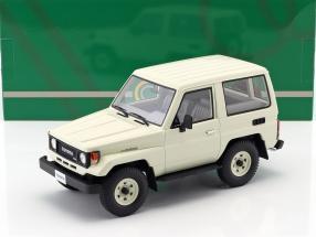 Toyota Landcruiser BJ70 Baujahr 1984 weiß 1:18 Cult Scale