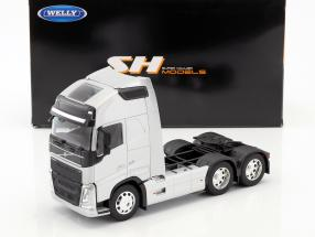 Volvo FH (6x4) Sattelzugmaschine Baujahr 2016 silber metallic 1:32 Welly