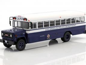 GMC 6000 LAPD Police Department Baujahr 1988 blau / weiß 1:43 Ixo